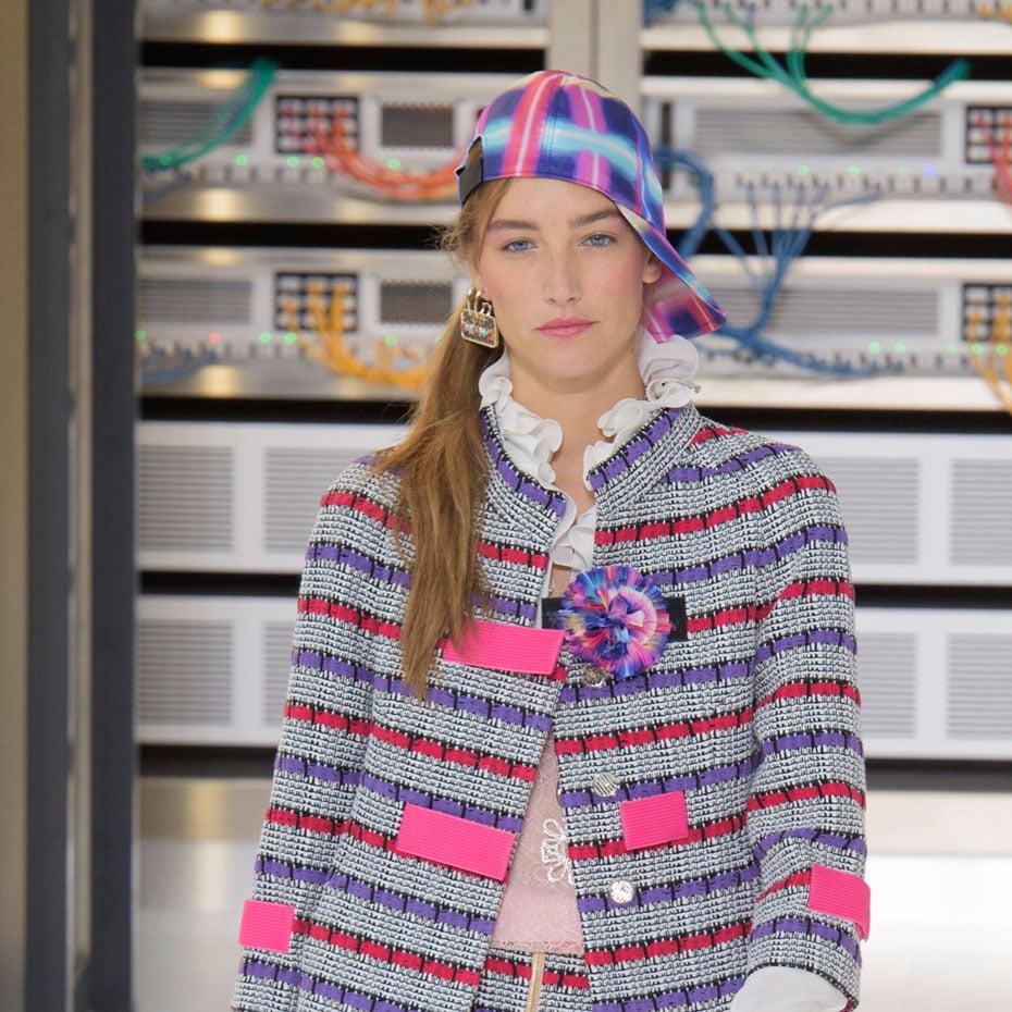 61eb33581d Chanel Hair and Makeup Paris Fashion Week Spring 2017
