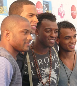 """News Roundup Including JLS At Number One With """"Beat Again"""" In UK Singles Charts"""