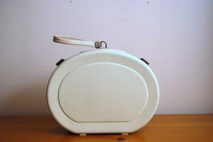Vintage White Case ($16.50)