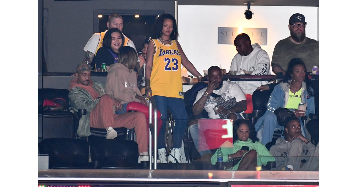 Celebrity Entertainment Rihanna Has Love And Basketball On The Brain At A Lakers Game With Her Hot Boyfriend Popsugar Celebrity Photo 10