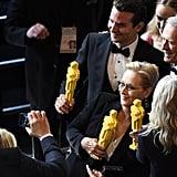 Bradley Cooper and Meryl Streep Take Oscars Selfies | Photos