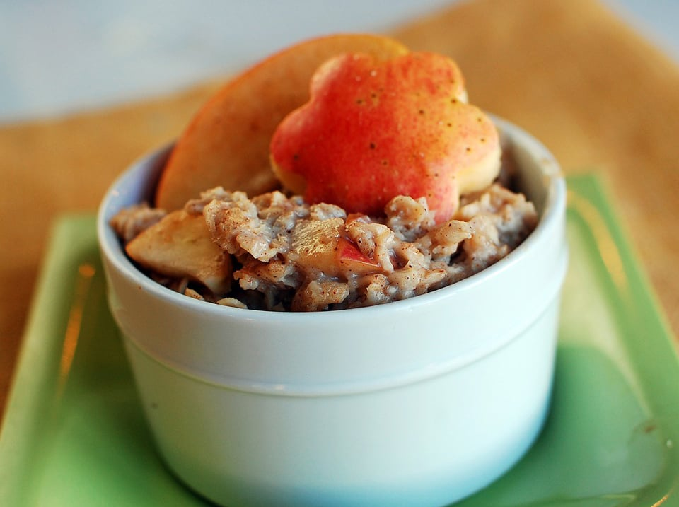 Kid-Friendly Recipes: Cinnamon Apple Oatmeal
