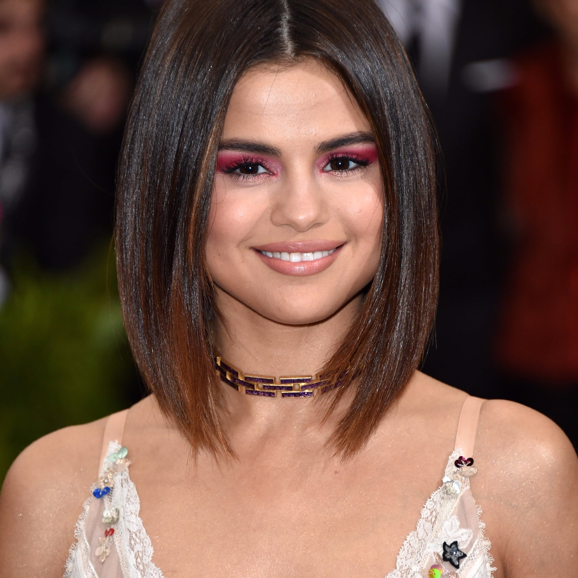 selena gomez makeup at the 2017 met gala popsugar beauty
