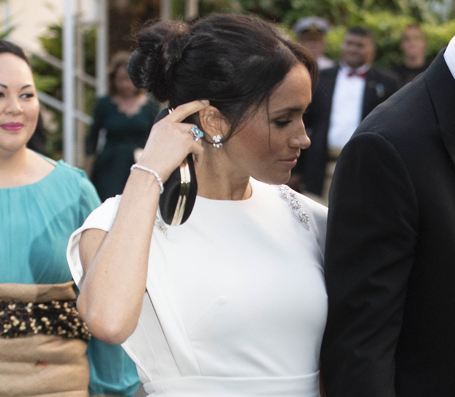 meghan markle wearing princess diana s aquamarine ring popsugar fashion meghan markle wearing princess diana s