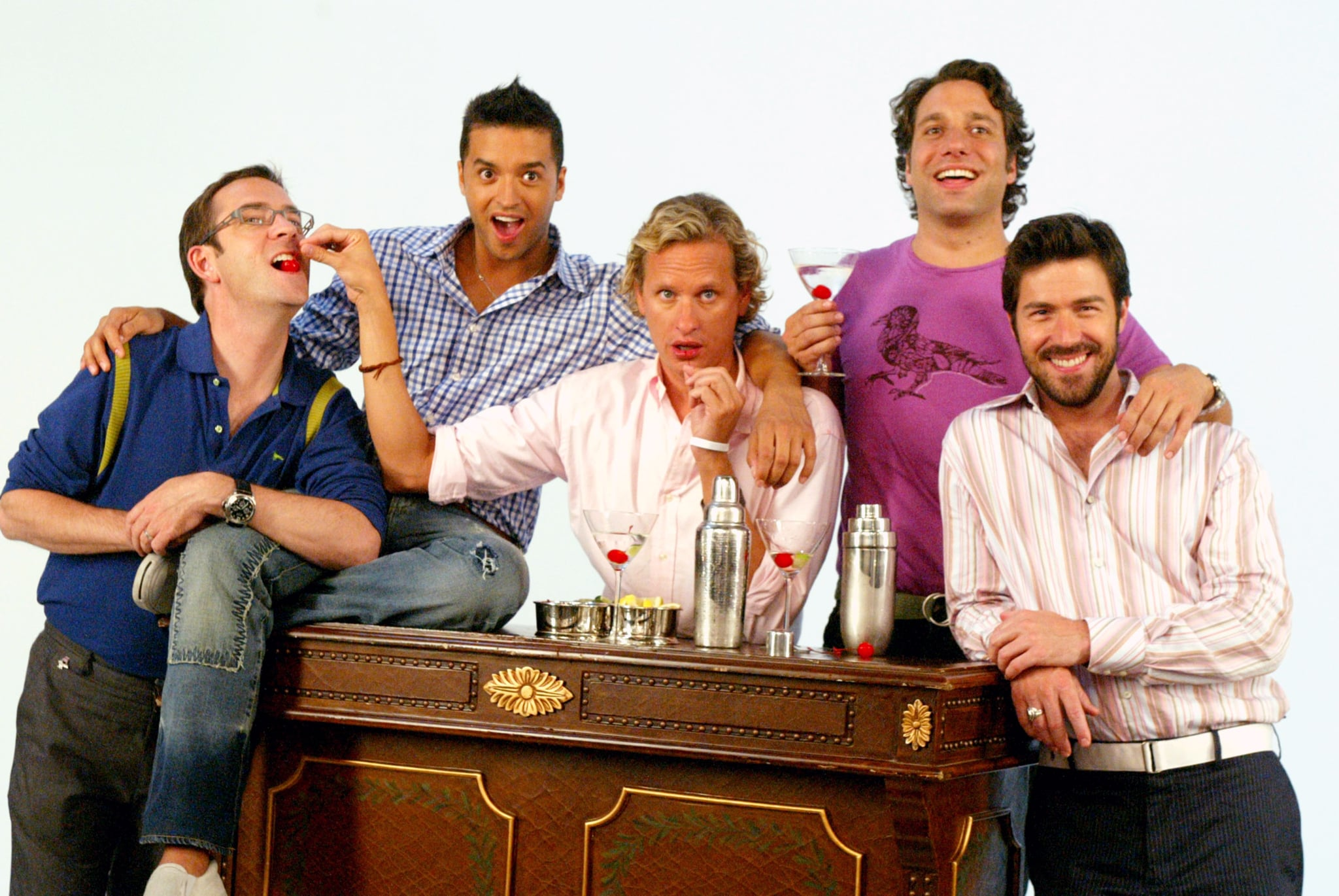 QUEER EYE FOR THE STRAIGHT GUY, Ted Allen, Jai Rodriguez, Carson Kressley, Thom Filicia, Kyan Douglas, 'Moose Lodge', (Season 4), 2003-07. photo: Matthew Peyton /  Bravo / Courtesy: Everett Collection