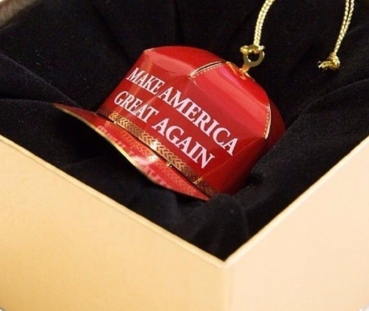 The Amazon Reviews of a Trump Christmas Ornament Will Make You Laugh Till You Cry