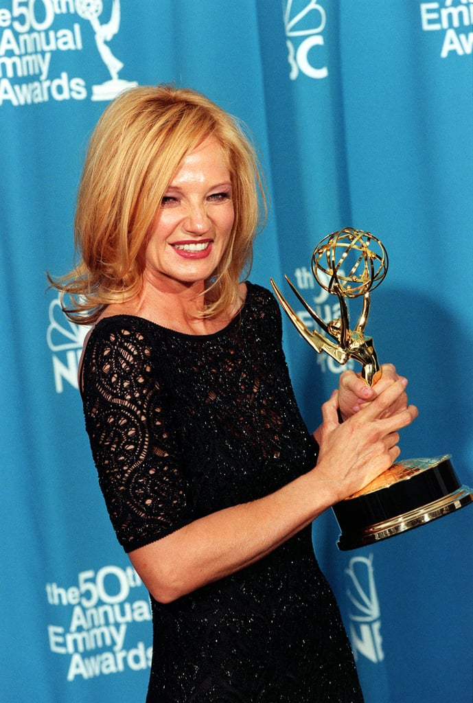 Ellen Barkins Magenta Lips 1998 Emmys Hair And Makeup Looks