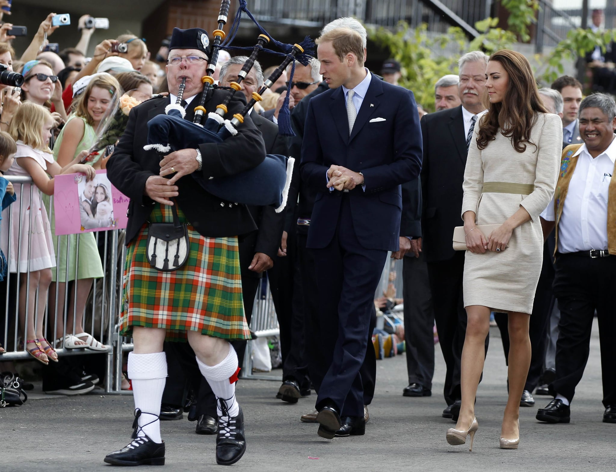 Kate Middleton and Prince William arrived to throngs of fans and admirers.