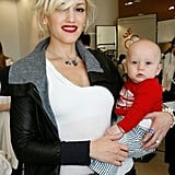 The singer attended a fashion-forward event with Zuma Rossdale in 2009.