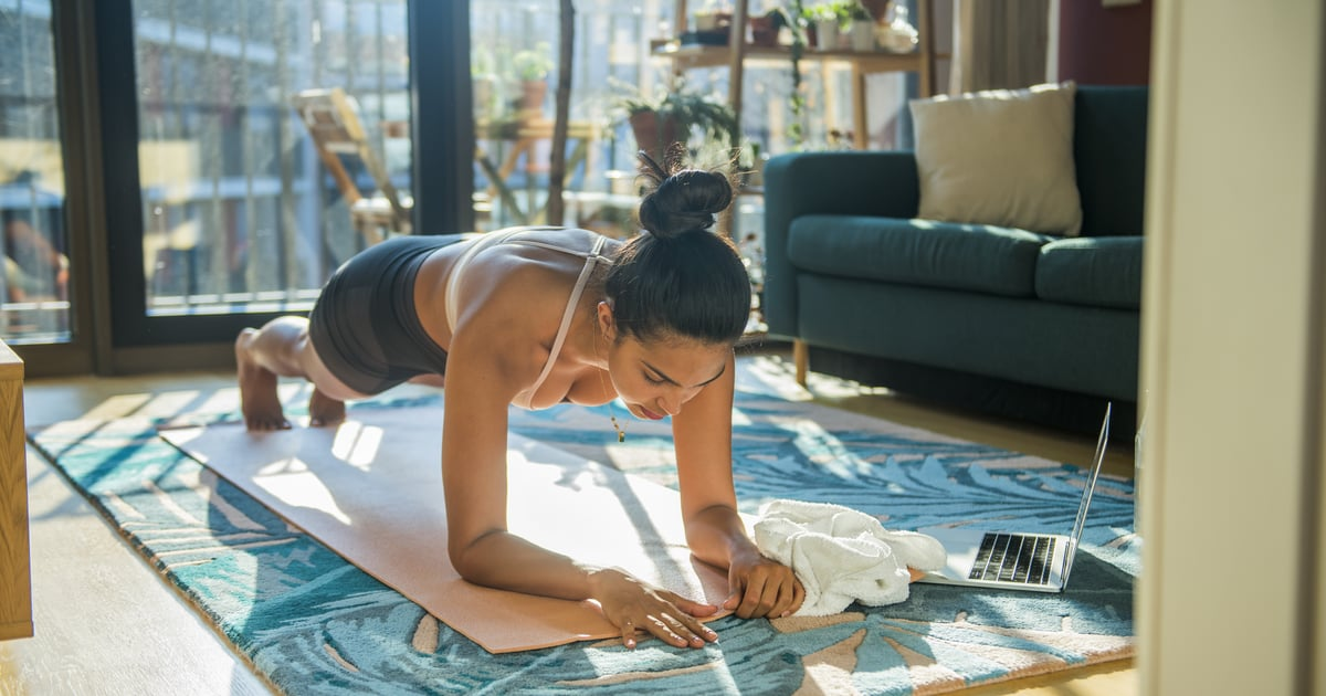 I'm a Trainer, and This Bodyweight Beginner Ab Workout Is One of My All-Time Favorites