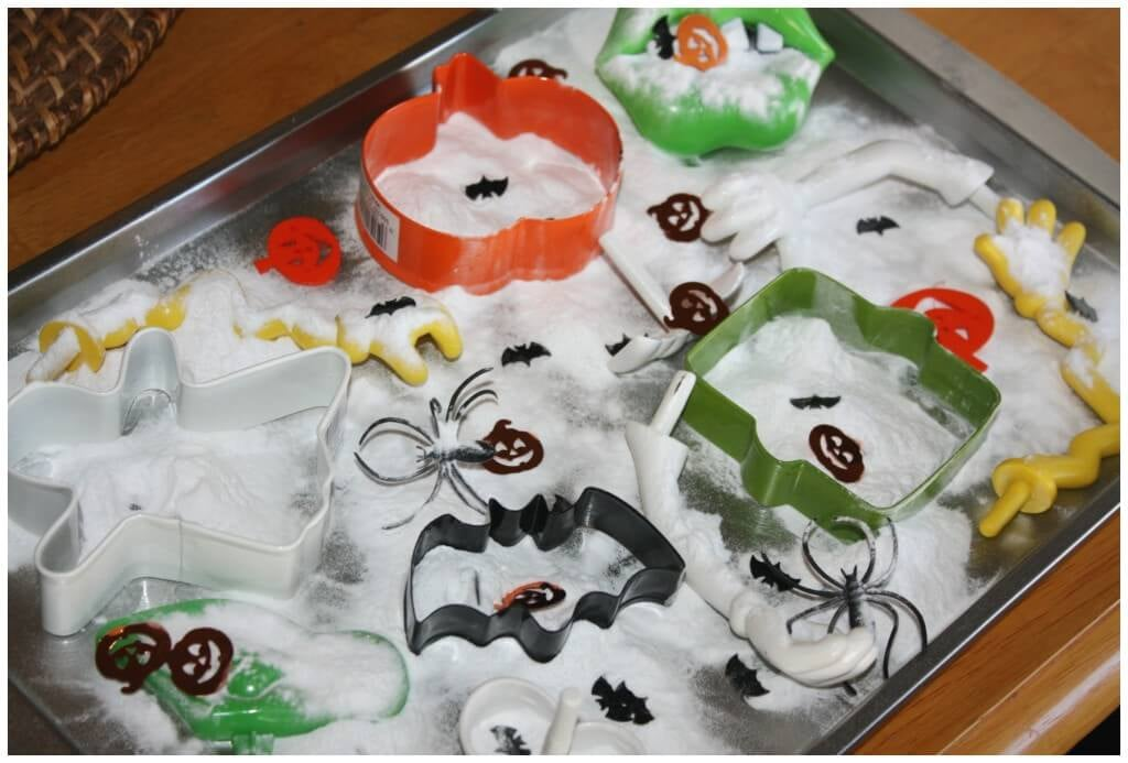 fizzy science halloween tray