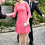 Mute a Bright Colour Like Coral With Light Pink Accessories