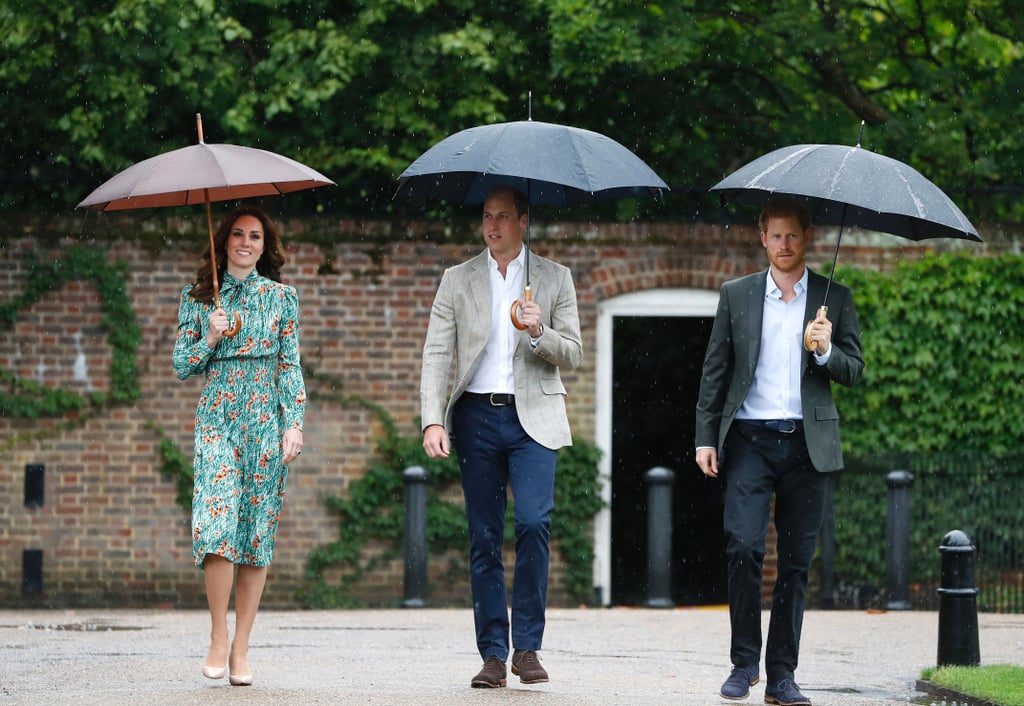 1e3a4ee8e7f Kate Middleton Wearing Prada Poppy Print Dress
