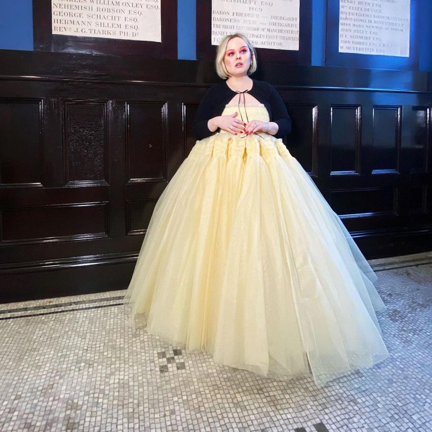 nicola-coughlan-yellow-dress-2021-golden
