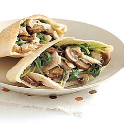 Fast & Easy Dinner: Chicken Pita with Mushrooms and Arugula