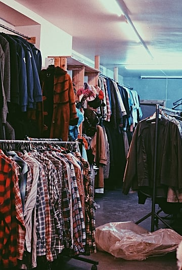 Best Tips For Selling Secondhand Clothes on Depop