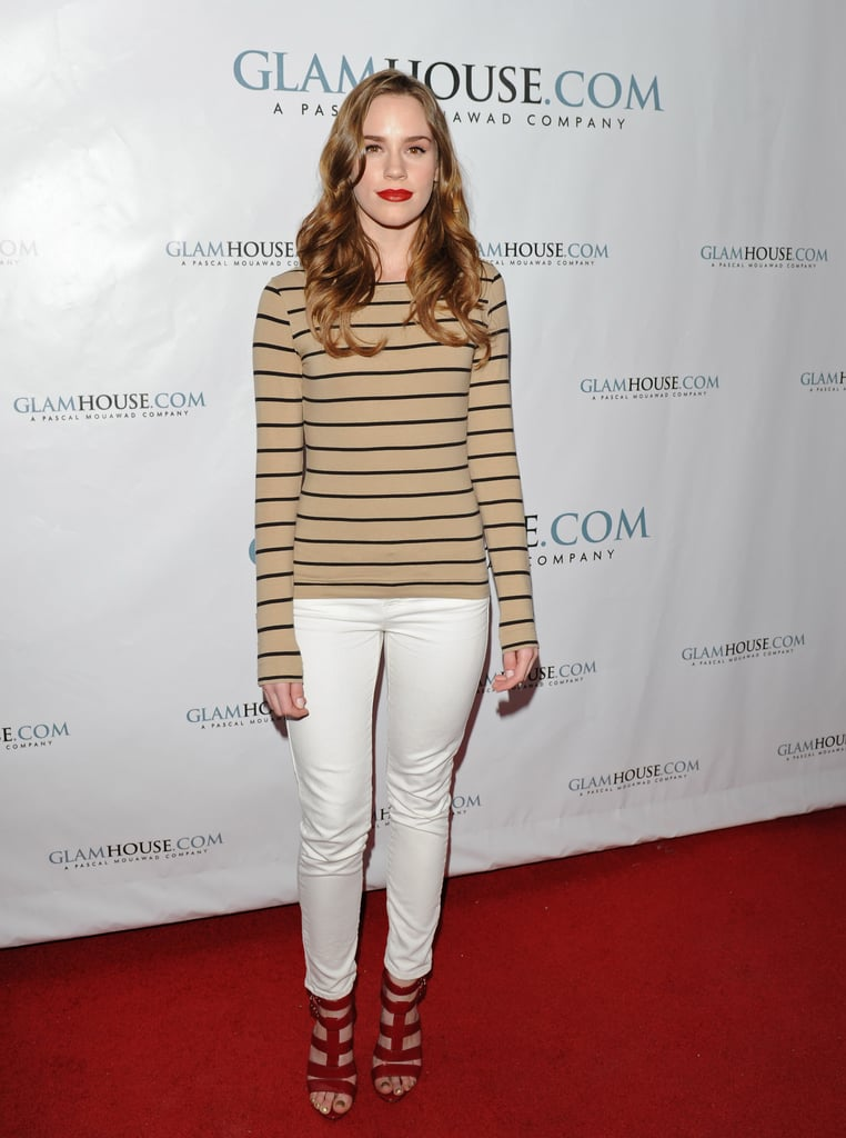 In February, Christa went laid-back in a striped long-sleeve tee and off-white jeans, finished with fabulous red gladiator-style sandals.  6904810