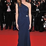 Diane Lane stayed simple yet gorgeous in a navy one-shouldered gown and Bally shoes.
