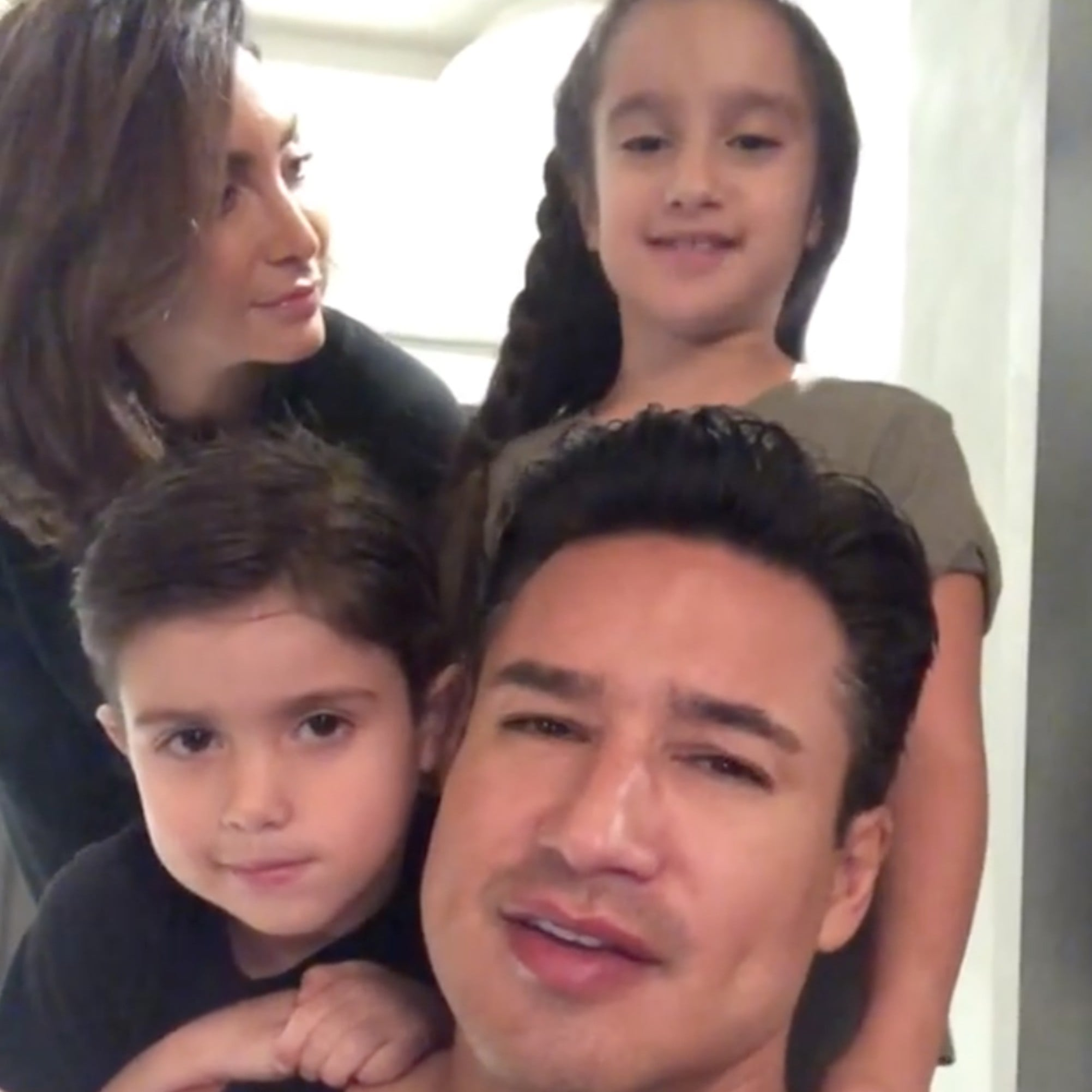 Mario Lopez S Wife Courtney Pregnant With Baby Number 3 Popsugar Family