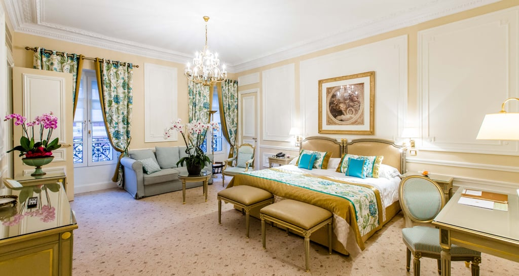 Where the royals vacation popsugar home australia for Prix chambre hotel du palais biarritz