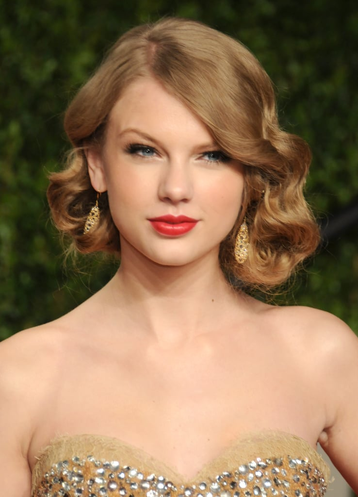 The faux bob is made for curly hair like Taylor Swift's, as it works best with a bit of texture.