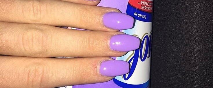 People Are Showing Off Their Nails With Food