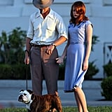 Ryan Gosling and Emma Stone walked a bulldog for The Gangster Squad.