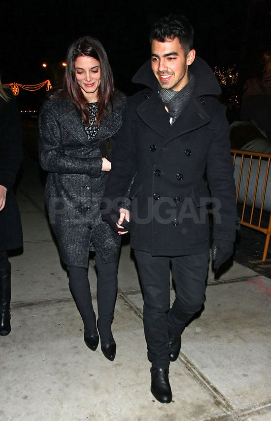 Joe Jonas and Ashley Greene held hands after dinner at The Lion in NYC last night. The pair have been preparing for Christmas in LA with their cute pooches, one of whom was an early present for Joe. They're one of your favourite new couples of 2010, and Ashley is amongst the fittest bikini babes of the year too. She's managed to find lots of time to spend with Joe recently, despite Breaking Dawn filming commitments. The Volturi, including Brits Michael Sheen and Jamie Campbell Bower, are currently shooting scenes in New Orleans.