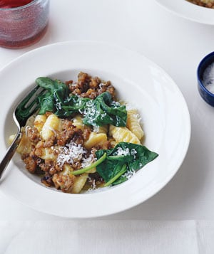 Fast & Easy Dinner: Gnocchi With Sausage and Spinach