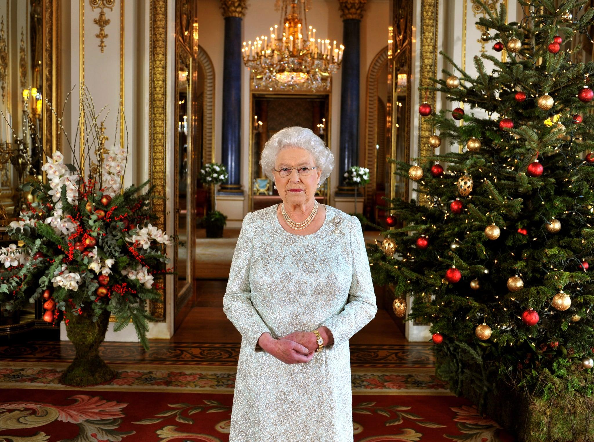 Queen Elizabeth II Delays Christmas Plans December 2016 | POPSUGAR ...