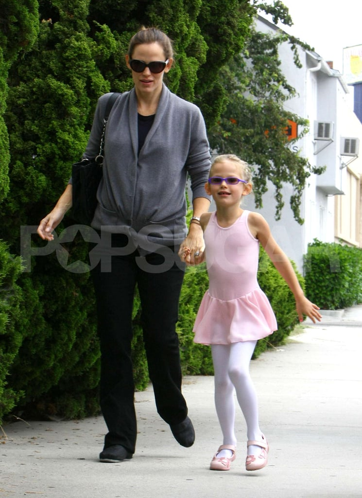 Violet Affleck and Jennifer Garner sported shades as they headed to dance class.