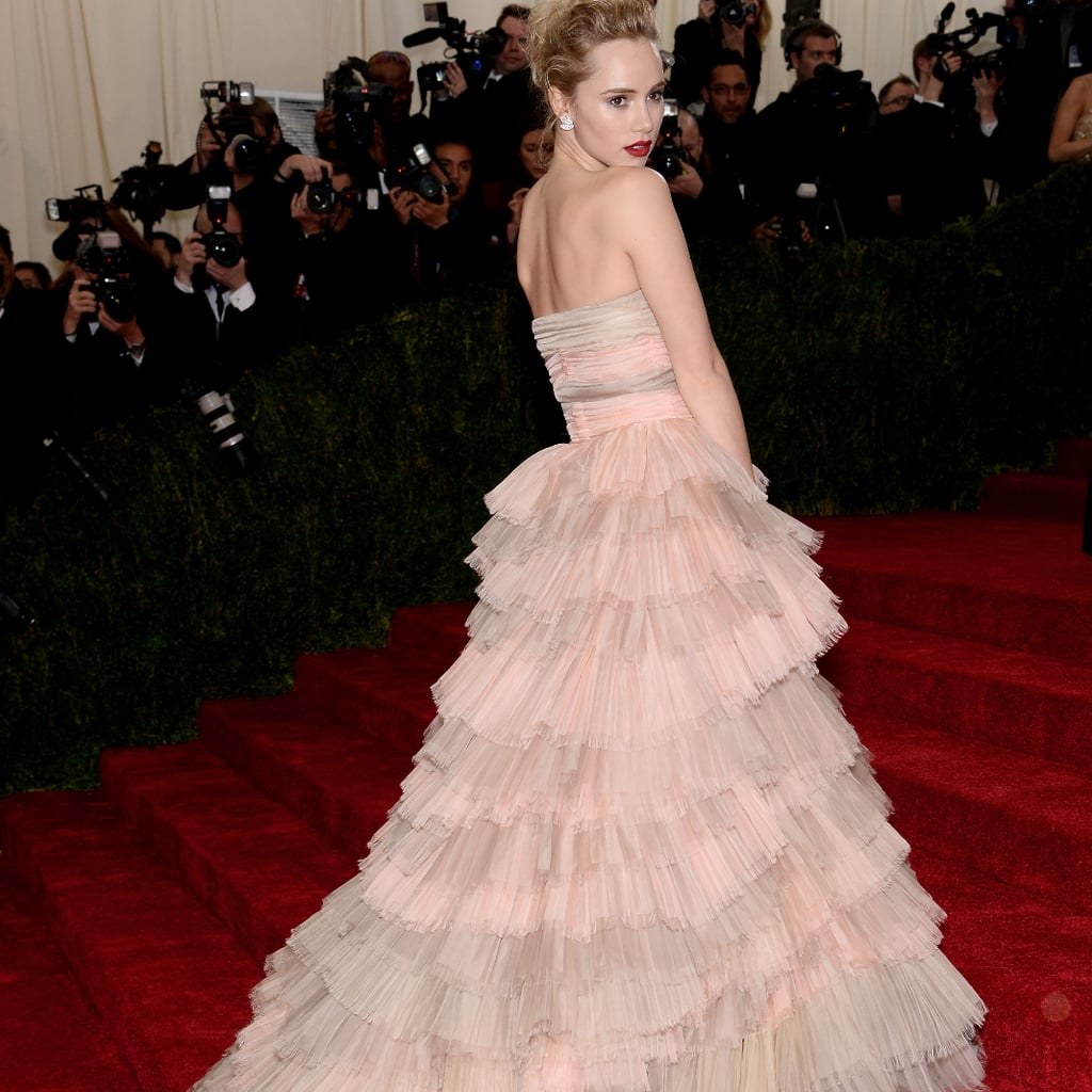 Suki Waterhouses Burberry Dress At The 2014 Met Gala