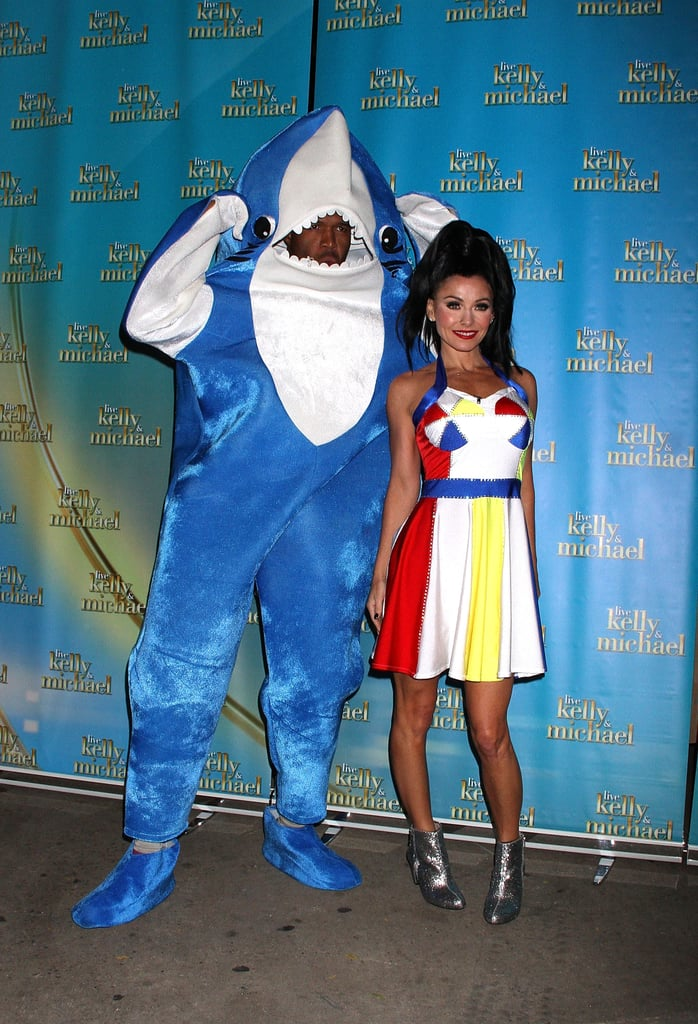 Kelly Ripa and Michael Strahan as Katy Perry and Left Shark in 2015