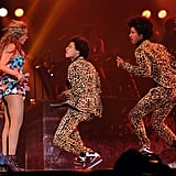 Beyoncé Had Fun With Her Twin Dancers
