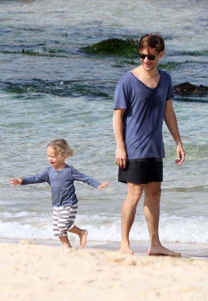 Tobey Maguire in Sydney with his son.