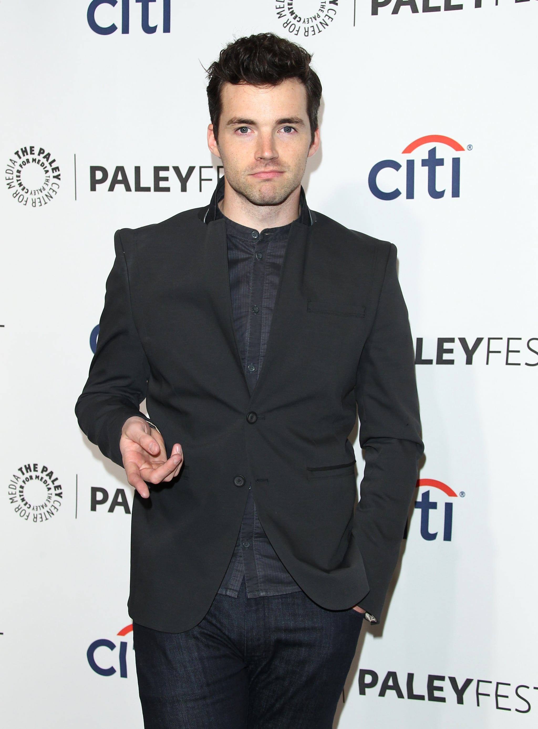 Ian Harding posed for a solo photo without his Pretty Little Liars castmates.
