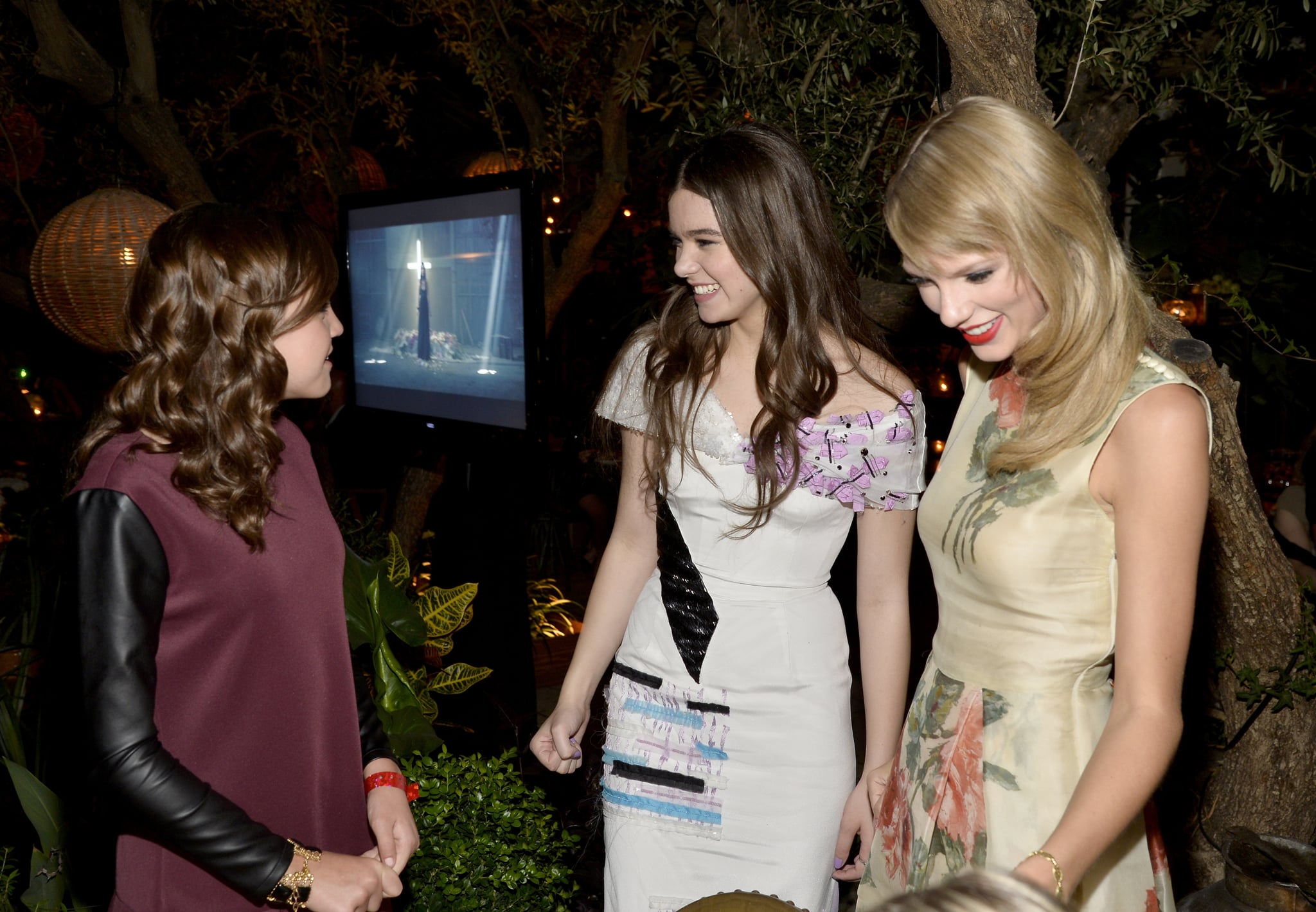 Bailee Madison Chatted With Hailee Steinfeld And Taylor Swift Taylor Swift Proves She S The World S Best Friend At The Romeo And Juliet Premiere Popsugar Celebrity Photo 5