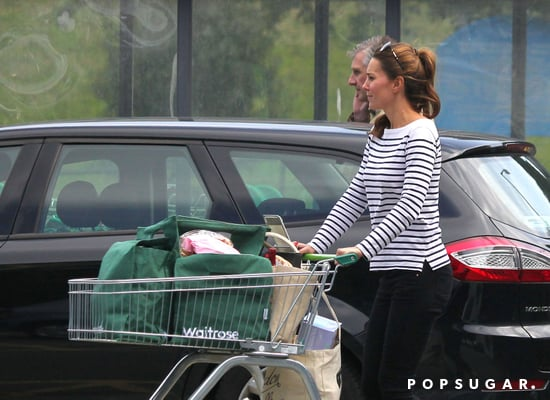 Kate-Middleton-visited-local-market