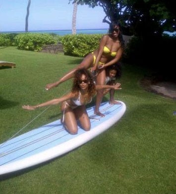 Rihanna Sexy Bikini Pictures From Hawaii Holiday