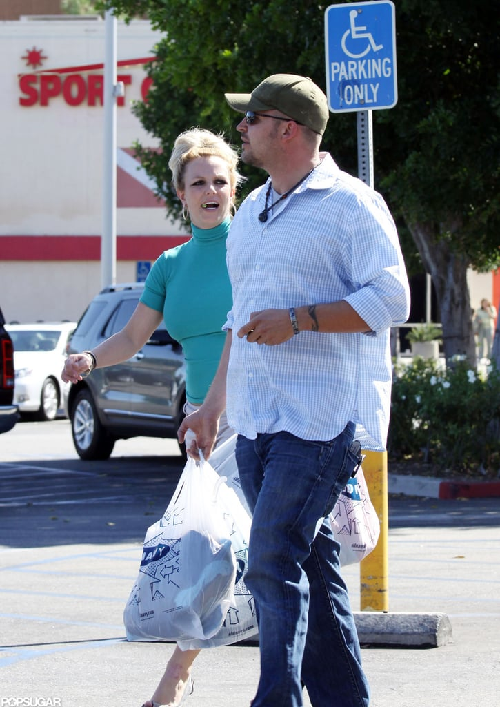 Britney Spears left Old Navy with her bags.