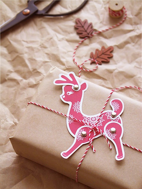 Movable Reindeer Gift Tag