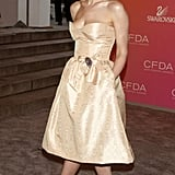 Pretty as apple pie in Oscar de la Renta at the CFDA Fashion Awards, '03.