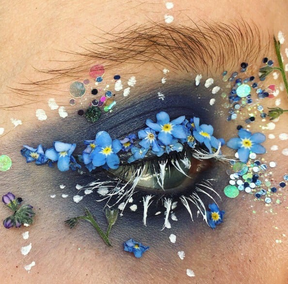 People Are Using Actual Little Flowers as Eyeliner