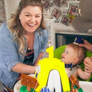 Kelly Clarkson Photos of Son's First Birthday