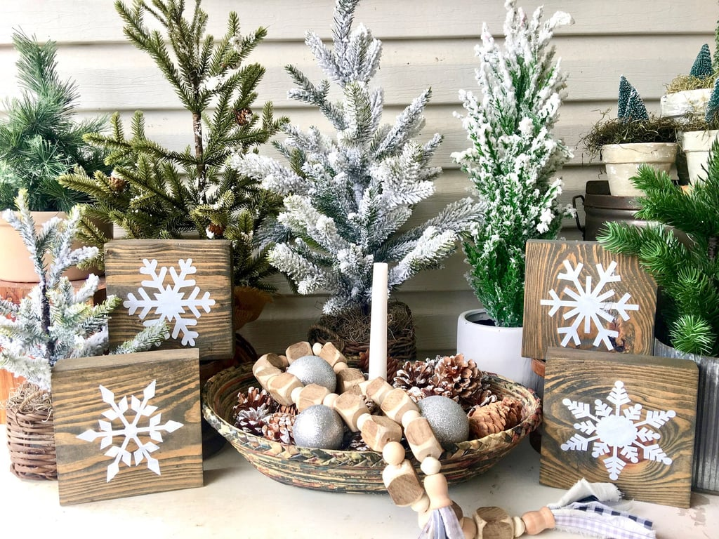 Wooden Snowflakes Signs