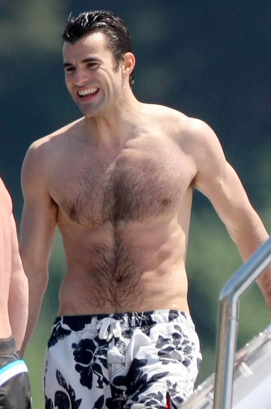 Photos Of Shirtless Steve Jones And Hayden Panettiere On A