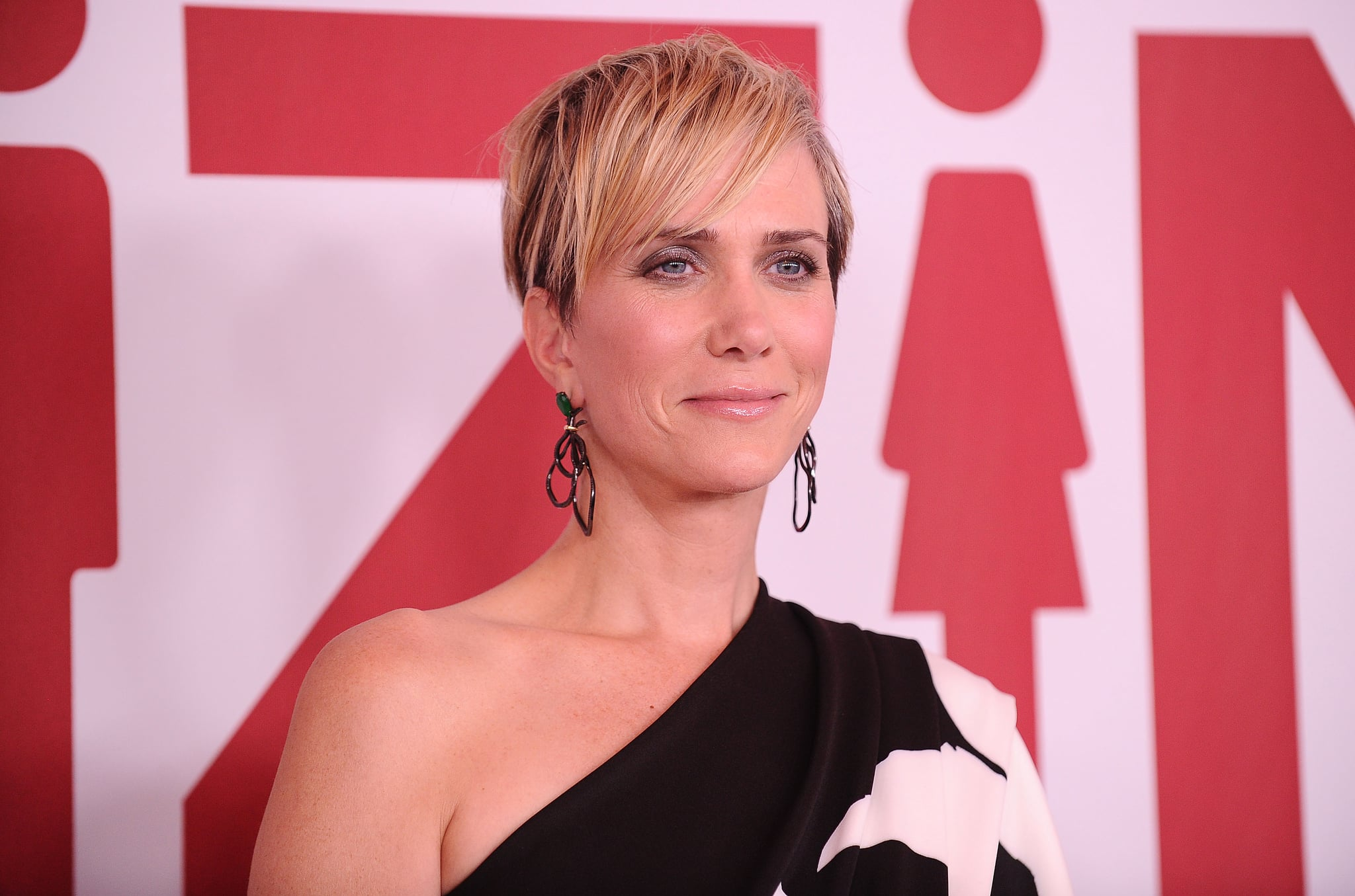 WESTWOOD, CA - DECEMBER 18:  Actress Kristen Wiig attends the premiere of