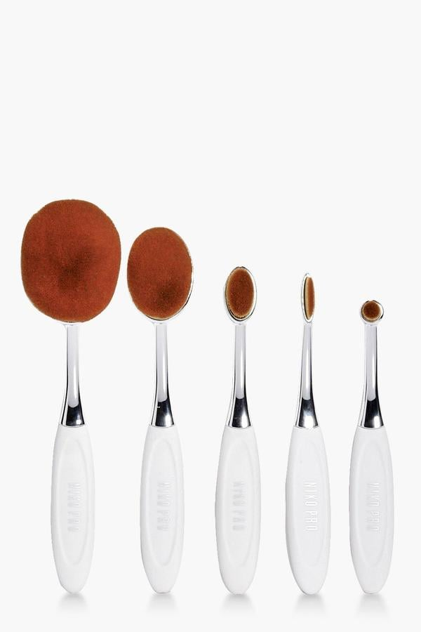 Boohoo Oval Brush Set