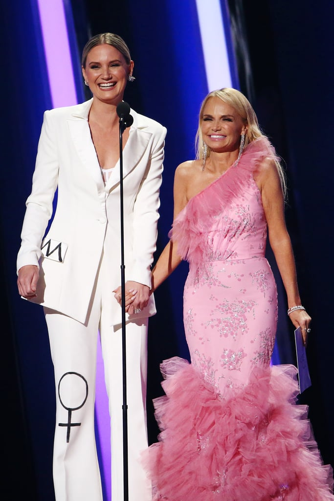 Jennifer Nettles and Kristin Chenoweth at the 2019 CMA Awards