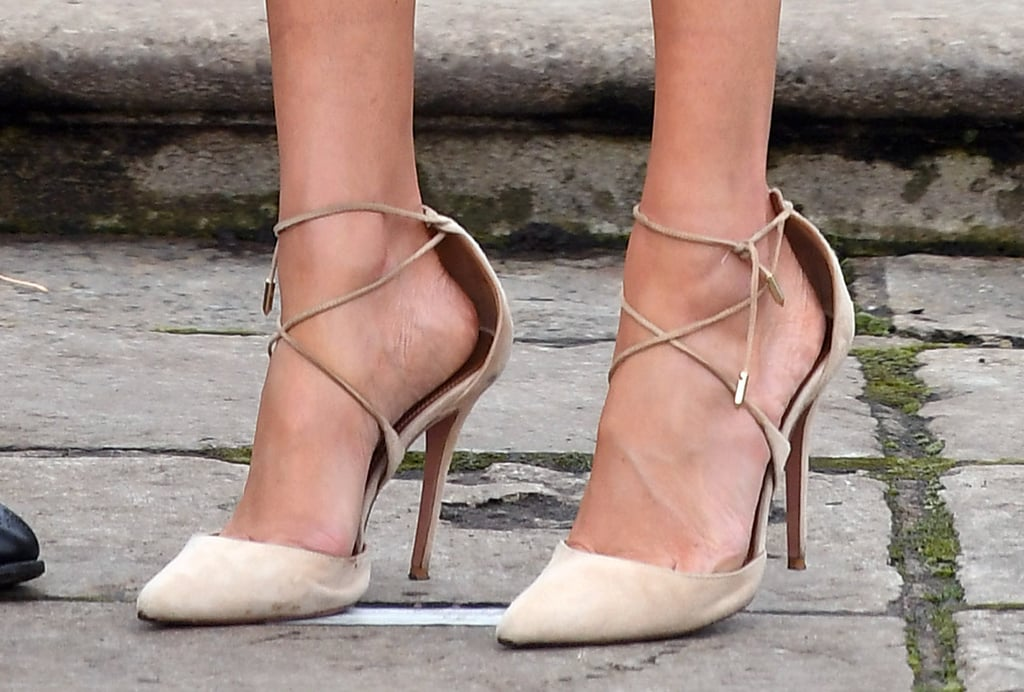 She finished the look with a pair of Aquazzura lace-up pumps.